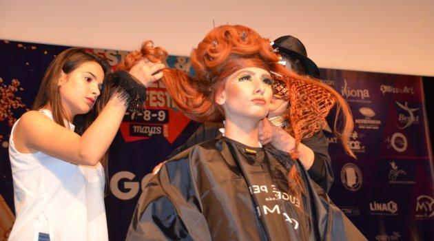 Berber ve kuaförlerden saç şovu