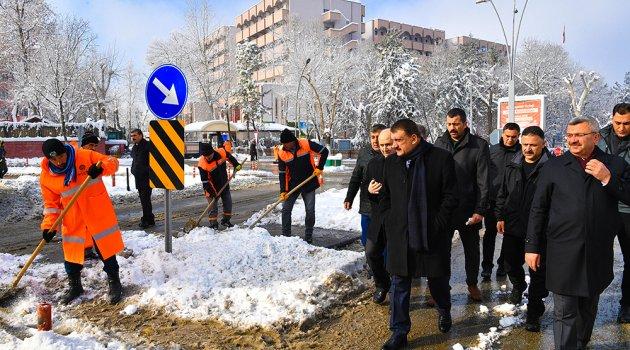 Kardan kapanan yollar açılıyor!