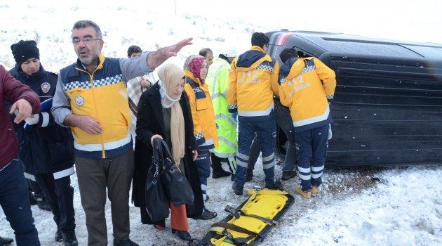 Darende'de araç devrildi: 7 yaralı