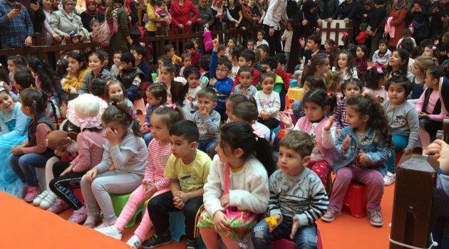 Çocuklar Niloya ile eğlendi