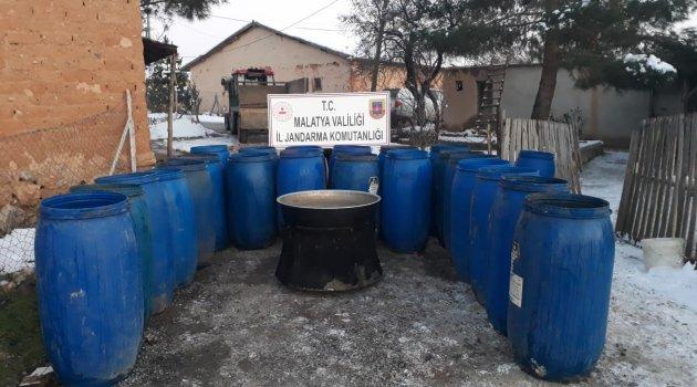Dört ton kaçak içki ele geçirildi