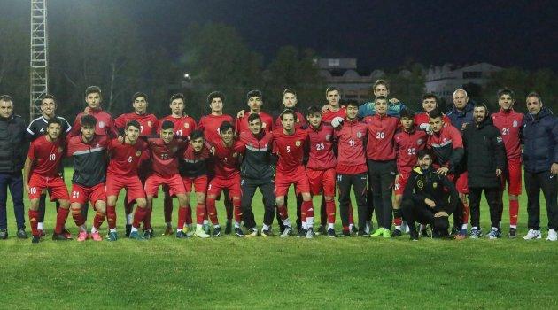 E.Yeni Malatyaspor altyapısına da Antalya'da kamp yaptırdı