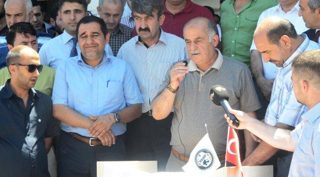 Erkoç: Dimdik ayakta durmamız gerekiyor