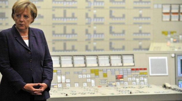 Forbes Merkel'i en güçlü kadın seçti