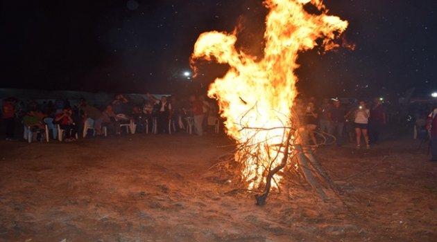 Fotokamta kamp ateşi yakıldı
