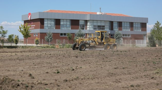 Futbol Köyü projesi için ilk kazma