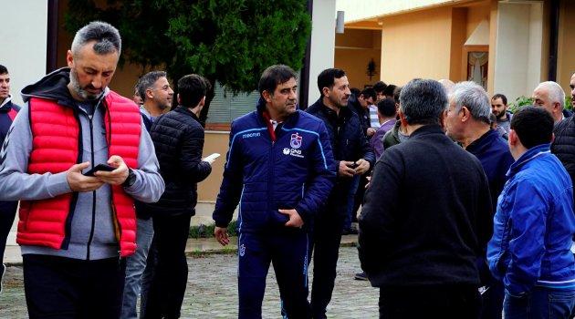 Futbol takımları Cuma Namazı için Dinler Bahçesi'nde buluştu