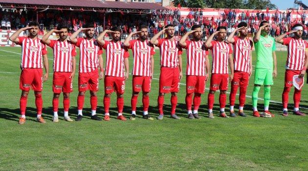 Futbolcular Barış Pınarı Harekatı'nı asker selamı ile destekledi
