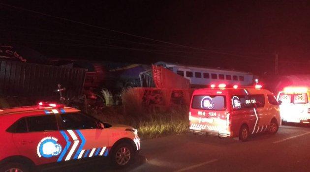 Güney Afrika'da trenler çarpıştı: 1 ölü 5 yaralı