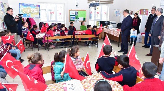 Gürkan öğrenciler ile bir araya geldi