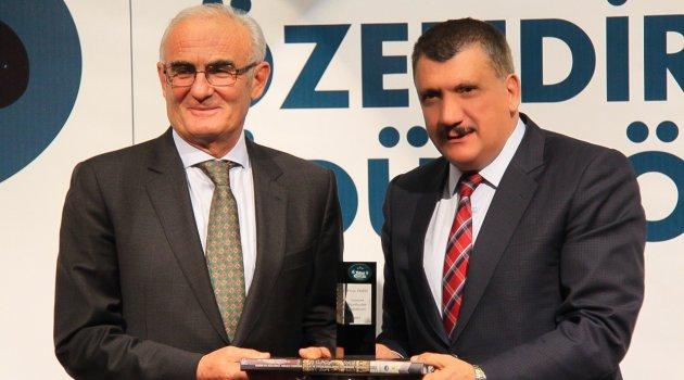 Gürkan'a iki ayrı ödül daha
