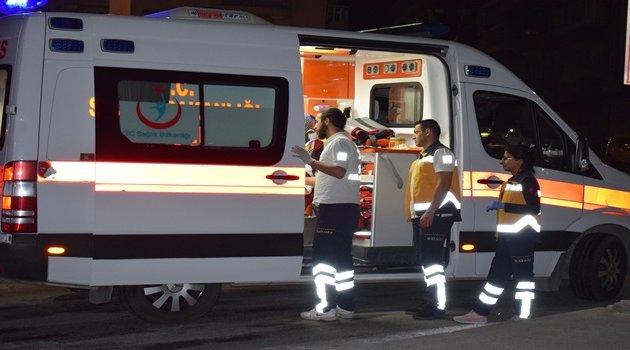 Hafif ticari araç otomobile çarptı: 5 yaralı
