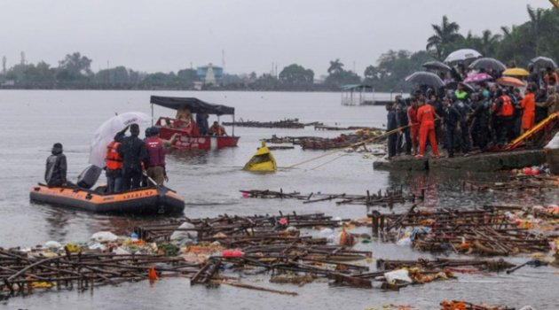 Hindistan'da gezi teknesi alabora oldu: 12 ölü 35 kayıp