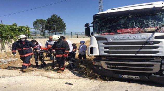 İki tır çarpıştı kazada 1 kişi yaralandı