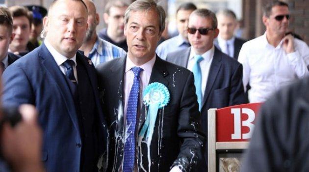 İngiliz siyasetçiye milkshake ile protesto