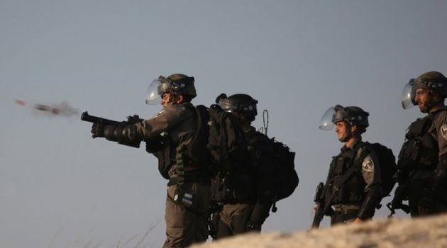 İsrail askerleri 21 Filistinliyi yaraladı