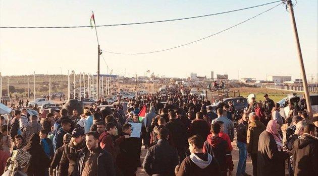 İsrail askerleri Gazze sınırında 1 kadını şehit etti, 25 kişiyi yaraladı