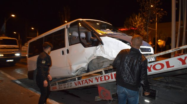 İstasyon kavşağında kaza
