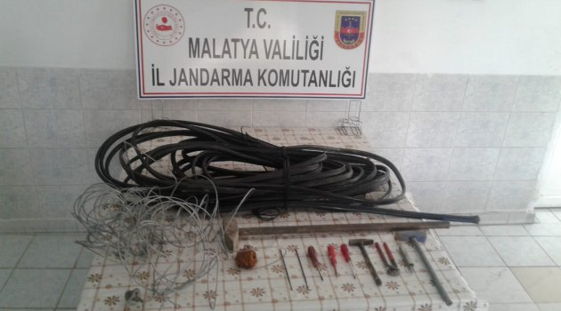 Kablo hırsızları yakayı ele verdi