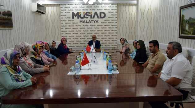 Kadın girişimcilerden MÜSİAD'a ziyaret