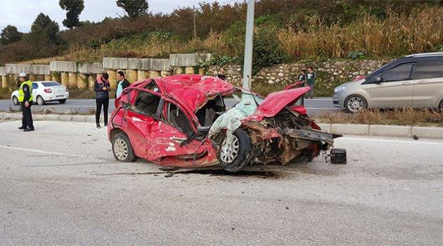 Kamyona çarpan kadın sürücü hayatını kaybetti