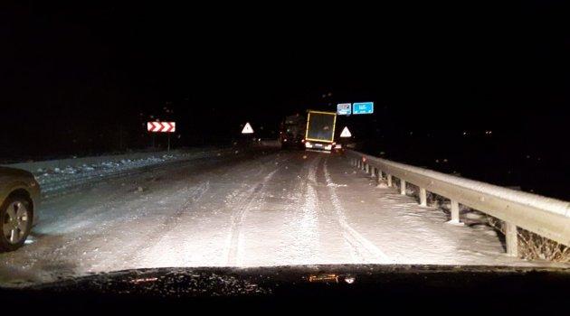 Kar küreme aracı kaza yaptı