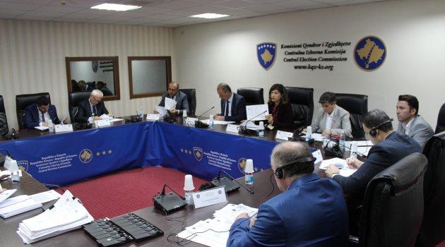 Kosova'da muhalifler erken seçim talebinde bulundu