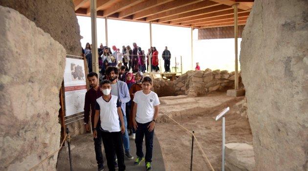 Lösemili çocuklar tarihi mekanları gezdi