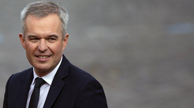 Lüks harcamalar Fransa Çevre Bakanına istifa getirdi