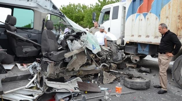 Akçadağ Yol Ayrımında Kaza: 1 ölü, 2 yaralı