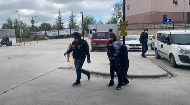 Altın kolye hırsızlığından 2 tutuklama