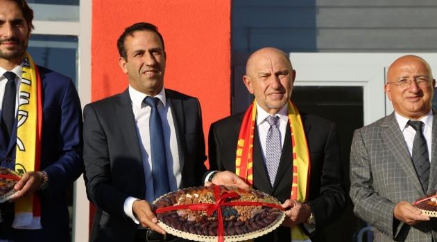 Özdemir'den Malatyaspor'a ziyaret