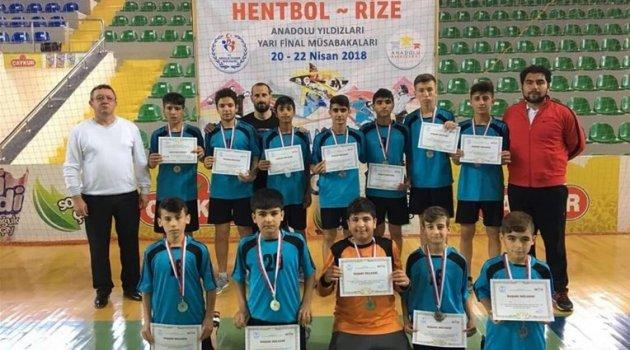 Malatya takımı hentbolda grup birincisi oldu
