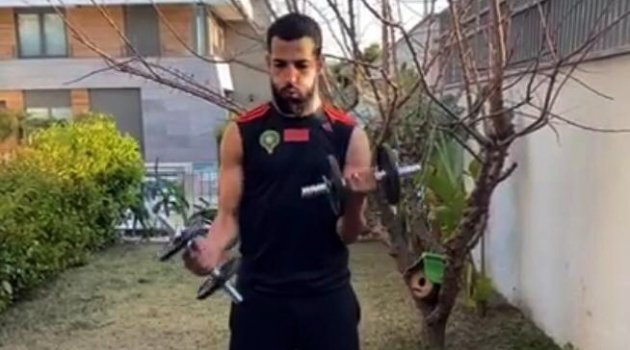 Malatyasporlu futbolcular evlerinde kondisyon depoluyor