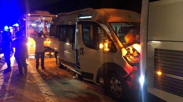Manisa'da işçi servisleri çarpıştı: 23 yaralı