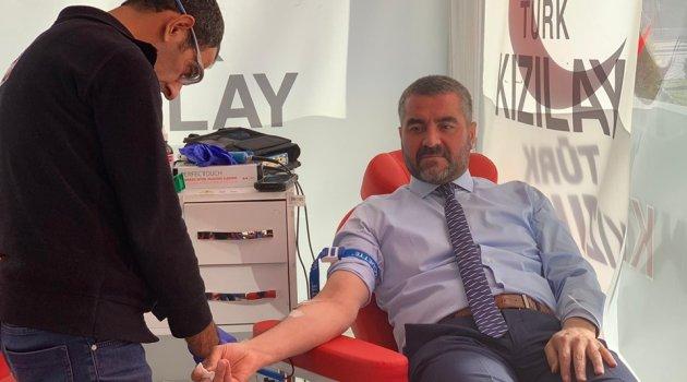 MHP'den kan bağışı!
