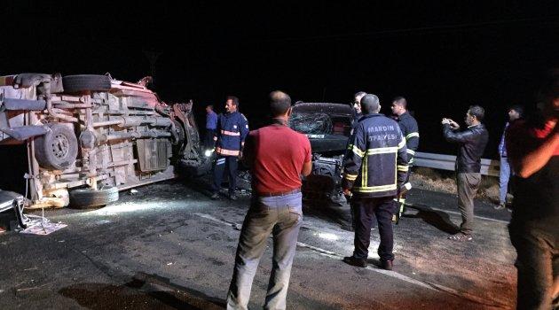 Midyat'ta kaza: 14 yaralı