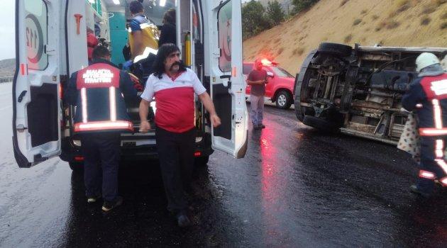 Minibüs devrildi: 7 yaralı