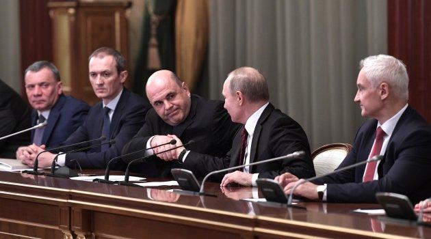 Mişustin Putin'e yeni kabineyi tanıttı