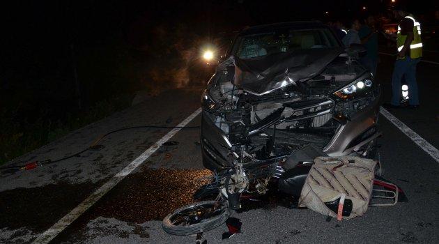 Motosikletle otomobil çarpıştı: 1 ölü