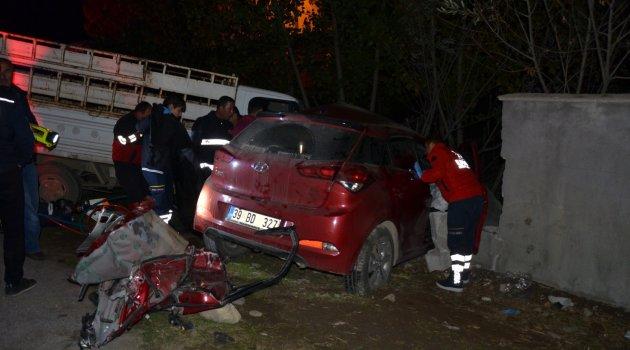 Muş'ta trafik kazası: 2 ölü 3 yaralı