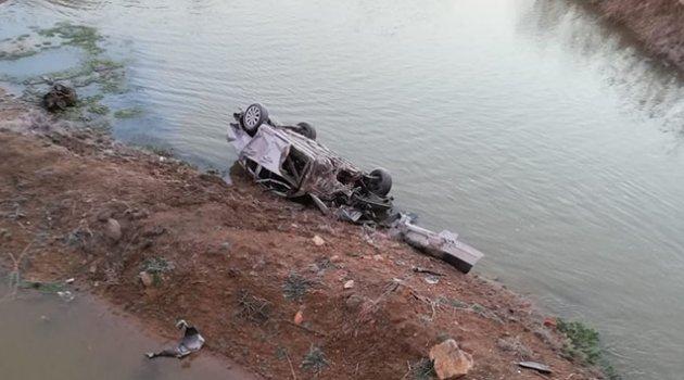 Otomobil nehre uçtu: 2 ölü, 2 yaralı