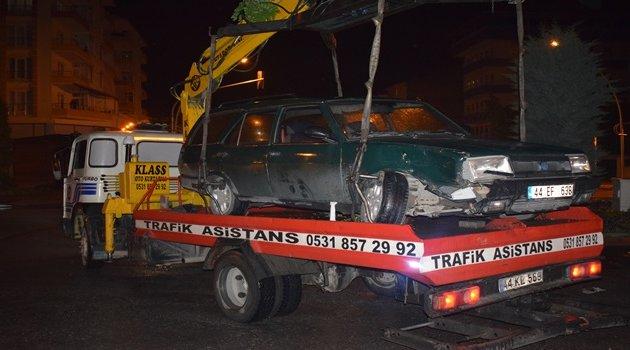 Otomobile çarpıp kaçtı: 1 yaralı