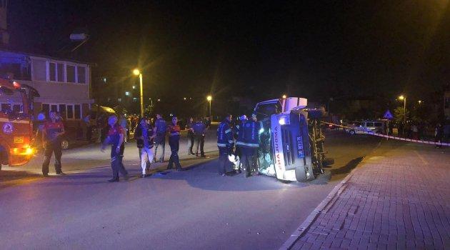 Otomobille çarpışan ambulans devrildi: 4 yaralı