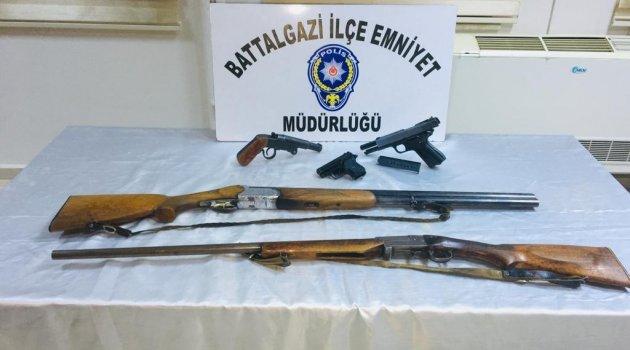 Polisten kaçak silah operasyonu