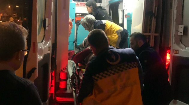 Refüje çarpan motosikletli ağır yaralandı