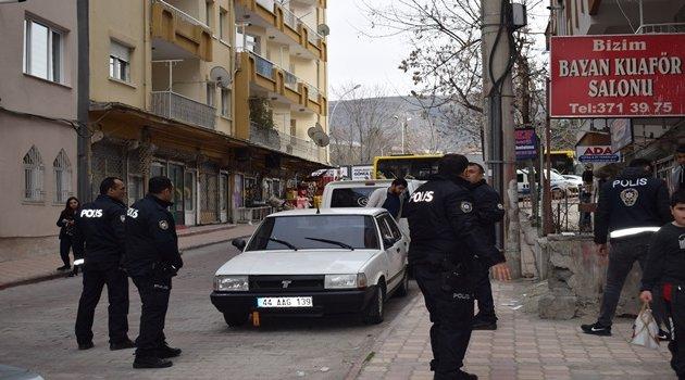 Genç kıza silahlı saldırı: 1 yaralı