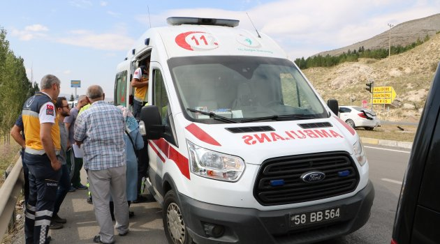 Sivas 'ta trafik kazası:2 yaralı