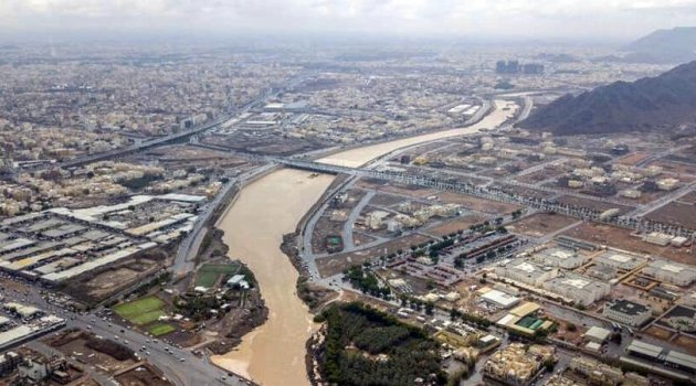Suudi Arabistan'da sel felaketi: 14 ölü
