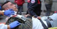 22 yaşındaki genç kuru sıkı silahla kendini yaraladı